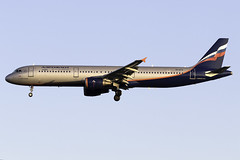 Aeroflot A321 VP-VTG at Heathrow Airport LHR/EGLL (dan89876) Tags: aeroflot airbus a321 a321200 a321211 vpbtg london heathrow international airport landing runway 27l arrival lhr egll