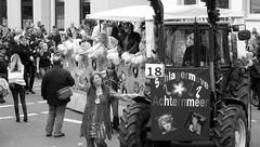412th KRAMERMARKT of the City OLDENBURG (2019) / KRAMERMARKT PARADE (the opening of the KRAMERMARKT) (tusuwe.groeber) Tags: kramermarkt street strase shot photographing aufnahme ablichtung oldenburg sony nex7 lowersaxony niedersachsen germany funfair volksfest rummel fahrgeschäft jahrmarkt travellingfunfair foodvendors merchandisevendors gamesofchanceandskill thrillacts kirmes karussells riesenrad achterbahn autoscooter geisterbahn schaubuden festzelt carousel ferriswheel rollercoaster bumpercars schwarz weis white black blanco negro bw sw parade eröffnung 2019 412th opening