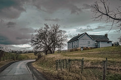 House on Ballengee Road (Bob G. Bell) Tags: farmhouse house road countryroad farm clouds bobbell fuji xt1
