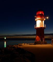 the lighthouses (Carsten Weigel) Tags: lighthouse leuchtturm warnmünde rostock mecklenburgvorpommern nightphotography nachtaufnahme ostsee balticsea carstenweigel nikond5300 nikkor20mmf18