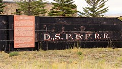 _DSC4940 (3) Tender Box (Allen Woosley) Tags: rural colorado abandoned rr cars round house