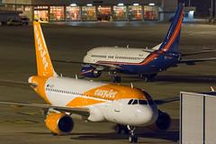 Easy Jet A319-111 G-EZDY & Orex B737-7JF BBJ P4-LIG (José M. Deza) Tags: 20180110 a319111 airbus b7377jfbbj bcn boeing easyjet elprat gezdy lebl orex p4lig planespotting spotter aircraft