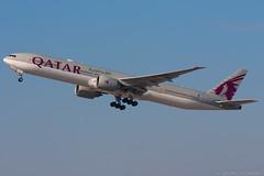 Qatar Airways B777-3DZER A7-BAO (José M. Deza) Tags: 20180225 a7bao b7773dzer bcn boeing elprat lebl planespotting qatarairways spotter aircraft