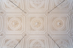 Ceiling St. Martin in The Fields (josullivan.59) Tags: 2019 artistic england historic london abstract architecture ceiling church day detail europe geometric historical interior light lookingup minimalism nicelight old travel wallpaper warm white texture pattern april