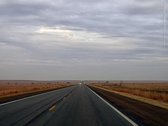 Wide open spaces on Southbound US-75, 27 Dec 2019 (photography.by.ROEVER) Tags: kansas 2019 december december2019 holidays2019 trip vacation roadtrip texas2019roadtrip texas2019vacation 2019roadtrip texasoklahoma2019roadtrip texasoklahoma2019vacation drive driving driver driverpic ontheroad coffeycounty us75 ushighway75 highway75 wideopenspaces wideopen cloudy rural country countryside southbound southboundus75 usa