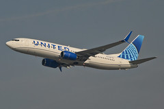 United Airlines New Global Evolution Livery 737-924 (N37298) LAX Takeoff 1 (hsckcwong) Tags: unitedairlines newunitedglobalevolutionlivery n37298 737824 737800 klax lax