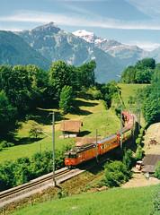 SBB Fhe 4-6 110 + Zug Interlaken - Meiringen  Ringgenberg (Rene_Potsdam) Tags: ringgenberg schweiz europe europa treinen trains trenes treni tren switzerland zwitserland suisse sbb brünigbahn züge spoorwegen fhe46