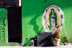 Je vous salue, Marie! (dominiquita52) Tags: mexique mexico sanmigueldeallende madonna vierge green vert religion culte