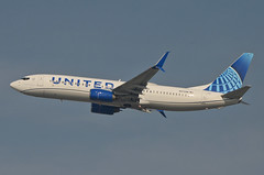 United Airlines New Global Evolution Livery 737-924 (N37298) LAX Takeoff 2 (hsckcwong) Tags: unitedairlines newunitedglobalevolutionlivery n37298 737824 737800 klax lax