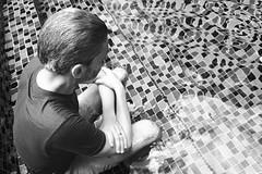 025/366: peering into pools (Fille.de.Lumière) Tags: pool poolportrait portraits theswimmer swimmingpool blackandwhite blackwhite blackandwhitephotography monochromeportrait monochrome monochromatic monochromeworld monochromemoment 366 365 project365 project366