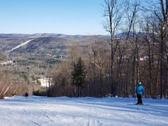 Sue On Lower Limelight (Joe Shlabotnik) Tags: 2020 snow skiing galaxys9 january2020 vermont winter justsue okemo cameraphone sue
