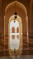 mosquée de salalah (patrick Thiaudiere, + 3,5 millions view) Tags: reflet reflexion miroir sol carrelage porte arche arch lanterne