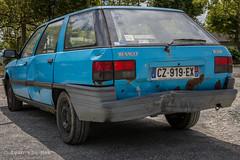 Renault Nevad (Ivan van Nek) Tags: car auto wagen voiture pkw nikon nikond7200 d7200 france frankrijk frankreich rusty blue bleu boulognesurgesse hautegaronne 2019 renault renaultnevada midipyrénées occitanie 31