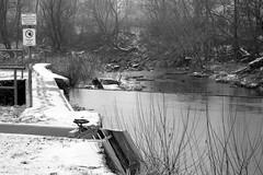 Zöbing (Harald Reichmann) Tags: zöbing kamp fluss wehr winter schnee landschaft verbot wasser schneeregen