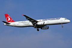 TC-JRK    A321-231  Turkish Estambul Atatürk 22-10-16 (Antonio Doblado) Tags: a321 airplane aircraft aviation 321 airbus turkish airliner estambul atatürk aviacion tcjrk