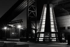 Zeche Zollverein  Rolltreppe zum Ruhrmuseum (Perspektivenwechsel / Fotografie Sabine Werfel) Tags: monochrome blackandwhite schwarzweis zechezollverein industriekultur routederindustriekultur ruhrgebiet ruhrpott metropoleruhr