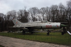 Mig-21 (Waren nkd. Dienven) Tags: mig mig21 cold war jet fighter sovjet poland polish millitairy museum warsaw