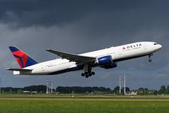 N863DA Boeing B777-232(ER) EHAM 12-05-19 (MarkP51) Tags: netherlands plane airplane airport image aircraft schiphol airliner noordholland sunshine nikon sunny d500 markp51 nikonafp70300fx dal boeing dl b777 deltaairlines b777232er n863da