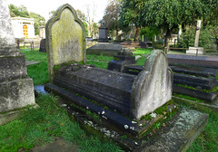 Brompton Cemetery (1840) (LondonerJK) Tags: old uk cemeteries london abandoned monument cemetery grave graveyard architecture memorial place britain united headstone tomb great kingdom ground final forgotten seven gravestone burial resting derelict magnificent burialground brompton