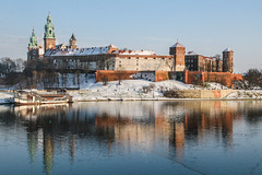 Wawel Royal Castle. Cracow, Poland (zmurkoder) Tags: castle heritage church tower hill river wall royal winter