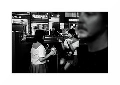 Tokyo - Shinjuku (Punkrocker*) Tags: leica m7 summicron asph 35mm 352 film kodak trix pushed 1600 nb bwfp bnw monochrome street city people night tokyo shinjuku japan japon nihon nippon travel
