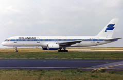 Icelandair Boeing 757-200 TF-FIJ (gooneybird29) Tags: flugzeug flughafen aircraft airport airplane airline cdg boeing 757 icelandair tffij