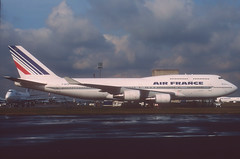 Air France Boeing 747-400; F-GITC, April 1992 (Aero Icarus) Tags: slidescan plane avion aircraft flugzeug