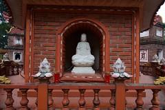 IMGP4744 Buddha (Claudio e Lucia Images around the world) Tags: tranquocpagoda hanoi vietnam tran quoc pagoda lake buddha buddhist temple asia religion monk incense pentax pentaxart pentaxk3ii pentaxcamera sigma sigma1020 sigmaart sigmalens
