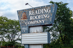 Reading Roofing Company (ViewFromTheStreet) Tags: 1842 1842kutztownrd allrightsreserved berks berkscounty blick blickcalle blickcallevfts calle copyright2019 kutztownrd kutztownroad pagoda pennsylvania photography readingroofing readingroofingcompany readingpa stphotographia streetphoto streetphotography viewfromthestreet amazing awful candid classic company eyesore lackofpride neglect neglected neglectedsign nopride oldsign pleasefixme pride reading roofing rust rusted rustedout rusty sign street vftsviewfromthestreet ©blickcallevfts ©copyright2019blickcalle