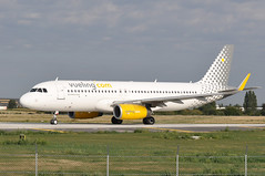 EC-MFM  ORY (airlines470) Tags: msn 6571 a320232 a320 a320200 vueling airlines ory airport ecmfm