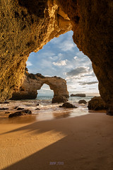 Ventana al Algarve (jamp_foto) Tags: algarve playa sol arco arena ventana cielo luz roca beach sun arch sand window sky light rock jampfoto atardecer sunset nature