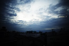Into the Vast Sky (ademilo) Tags: sky sunset sunlight sun sunshine cityscape clouds light lights landscape city contrast building backlight beauty tokyo town townscape japan