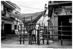 - - (Matías Brëa) Tags: calle street social documentalismo documentary personas people gente blanco y negro black white bnw mono monochrome monocromo