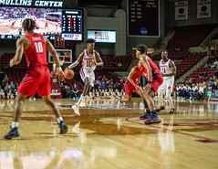 University of Massachusetts Men's Basketball vs Duquesne (1/25/19) (dailycollegian) Tags: umass umassamherst umassathletics athletics sports basketball winter win mens duquesne mullins homegame parkerpeters seaneastii