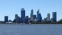 Hello Perth (Scene the light...) Tags: this is perth western australia beautiful sunny blue sky swan river city clean clear air 2020