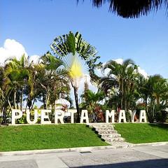 Puerta Maya (Square) (jrpopfan) Tags: mexico beachlife vivamexico cozumel beachesoftheworld iphone beaches tourist vacation coast explore mexican