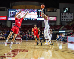 University of Massachusetts Men's Basketball vs Duquesne (1/25/19) (dailycollegian) Tags: umass umassamherst umassathletics athletics sports basketball winter win mens duquesne mullins homegame parkerpeters dijabiwalker