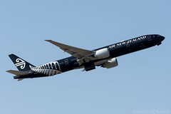 ZK-OKQ (Andras Regos) Tags: aviation aircraft plane fly airport lhr egll heathrow spotter spotting takeoff airnewzealand newzealand boeing b77w 777 777300er speciallivery allblacks