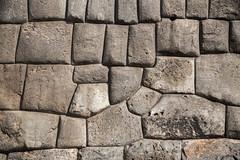 Stone Inca Wall at Cusco. (Rodrigo Chávez Noriega) Tags: cusco perú mountains lasfotosdechevo canon chevophotography peruvianphotographer cometoperú promperú architecture arquitectura streetphotography street streetart southamerica wall stone stonewall inca construction detalles details