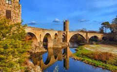 Besalú (Jose Pinero) Tags: castillo medieval color paisaje estructura cielo ciudad cataluña girona españa