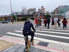 台北鐵道博物館.老包與老外旅遊團 (nk@flickr) Tags: friend taipei cycling 台北 taiwan 台湾 20200125 bobby 台灣 iphone11probacktriplecamera425mmf18