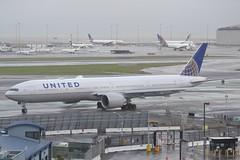 N2747U (LAXSPOTTER97) Tags: united airlines boeing 777 777300er n2747u cn 64991 ln 1554 aviation airport airplane ksfo