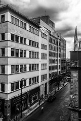 (_dingrid) Tags: edificio ciudad street city calle blancoynegro blacknwhitephotography blackandwhite cdmx mexico