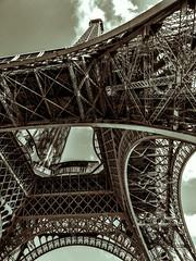Eiffeltower with a twist (LeifEureniusPhotogrpahy) Tags: mono monochrome blackandwhite bnw architecture tourism travel traveldestination paris france eiffeltower city fotoart