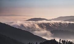 Un tsunami de brouillard se déverse dans la vallée (mrieffly) Tags: alsace htrhin valléedelathur brouillard vague vosges merdenuages canoneos50d