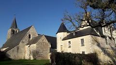 Prieuré et église Saint-Sulpice au Louroux (Indre-et-Loire) (Sokleine) Tags: prieuré eglise oldchurch church extérieur heritage monumenthistorique village lelouroux 37 indreetloire touraine france