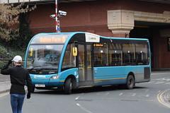 AMN 2507 @ Shrewsbury bus station (ianjpoole) Tags: arriva midlands optare solo m890sl sr yj58cce 2507 working route 8 shrewsbury bus station sutton shops farm