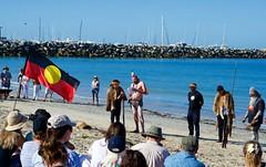 Painted Speaker (Padmacara) Tags: australia fremantle oneday ocean sand beach people aboriginalflag