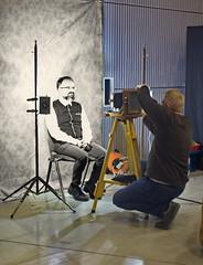 Fotograf bei der Arbeit (olds.wolfram) Tags: photographer work schwarz weis manuell old style kamera black white