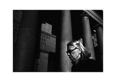 Zürich (SinoLaZZeR) Tags: zürich zurich schweiz switzerland europa europe cityscapes city urban urbanlife monochrom monochrome blackwhite blackandwhite bw street streetphotography streetlife candid leicam2 leica m2 kodaktrix400 kodak trix 400 summaron35f28 summaron 35mm f28 life photography analogue analog film filmisnotdead 苏黎世 瑞士 欧洲 街头摄影 黑白 胶卷 胶卷照片 胶片 徕卡 徕卡相机 人物 availablelight available light